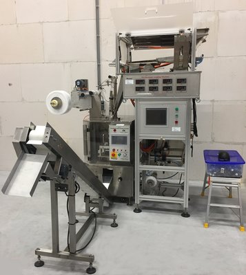 DXDCT-E8 automatic pyramid tea bag packing machine, including weigher (demo)