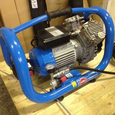 Portable oil free compressor LMO5-240